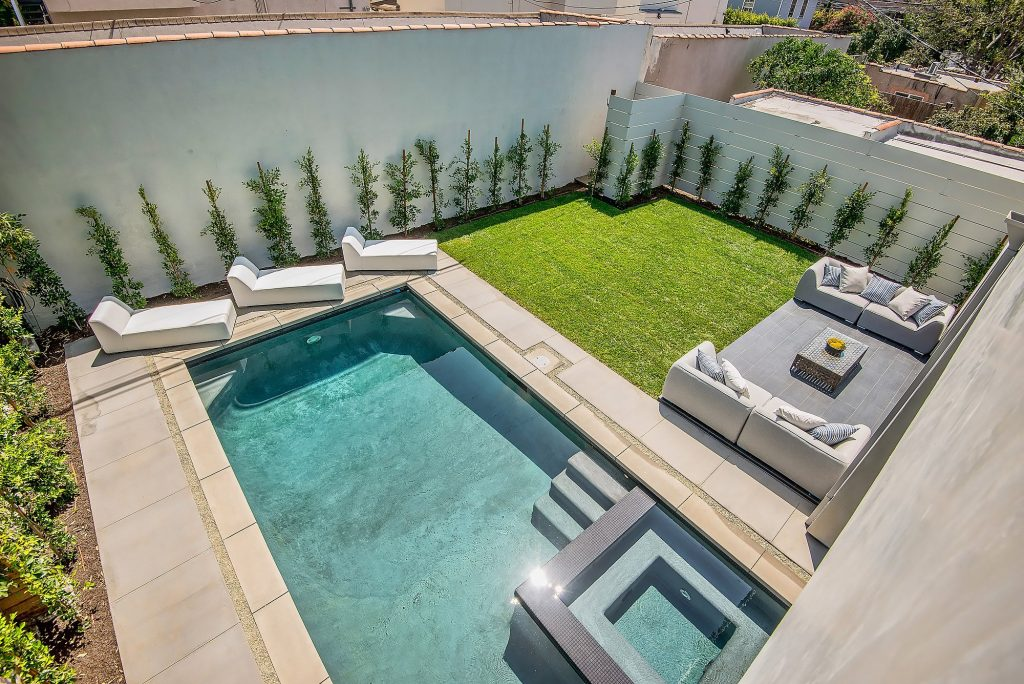 Hancock Park homes for sale with swimming pools